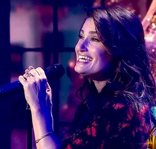 For Idina Menzel: the Queen of Entertainment