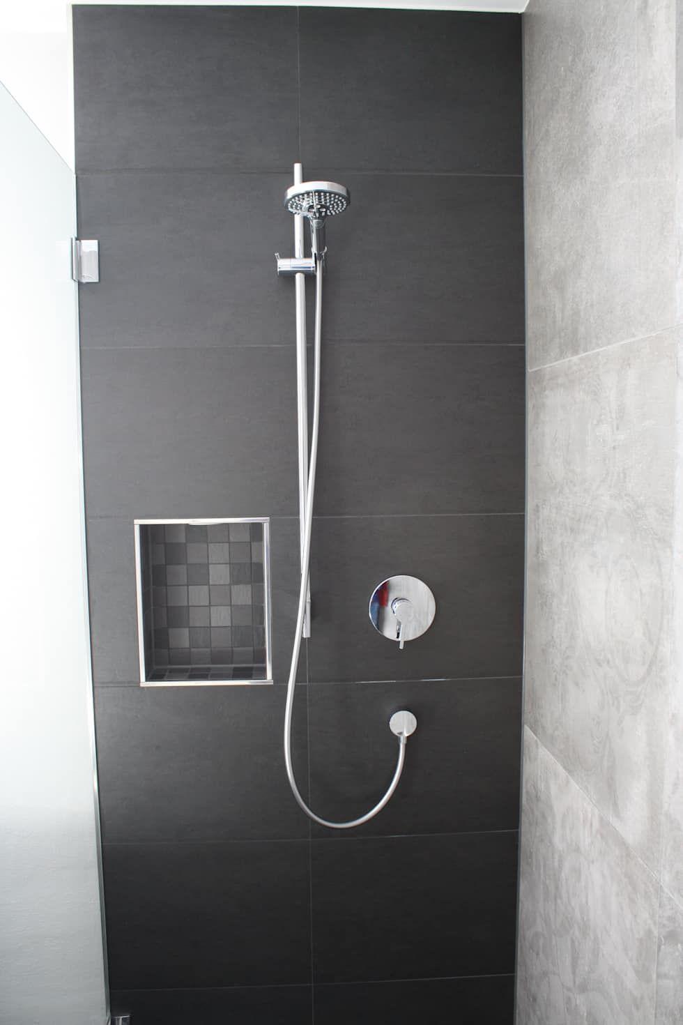 wohnideen interior design einrichtungsideen bilder nische moderne badezimmer und badezimmer. Black Bedroom Furniture Sets. Home Design Ideas