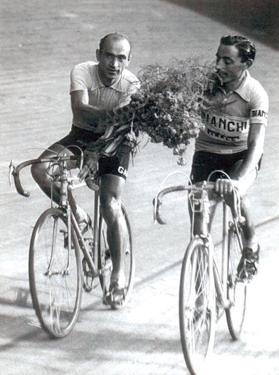 Giro d'Italia 1955. 21^Tappa, 5 giugno. S.Pellegrino Terme > Milano, Velodromo Vigorelli. Fiorenzo Magni (1920-2012) e Fausto Coppi (1919-1960)
