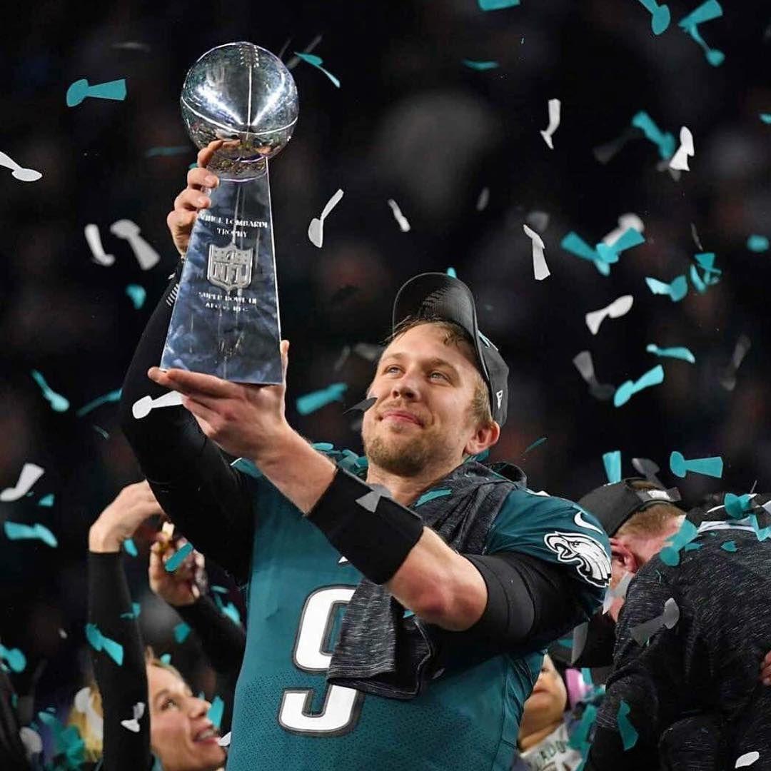 Super Bowl Champs Nick Foles Mvp Philadelphiaeagles Flyeaglesfly Nfl Philadelphia Eagles New England Patriots Eagles