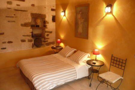 Regardez ce logement incroyable sur Airbnb : B&B proche Mont Saint Michel - Bed & Breakfasts for Rent