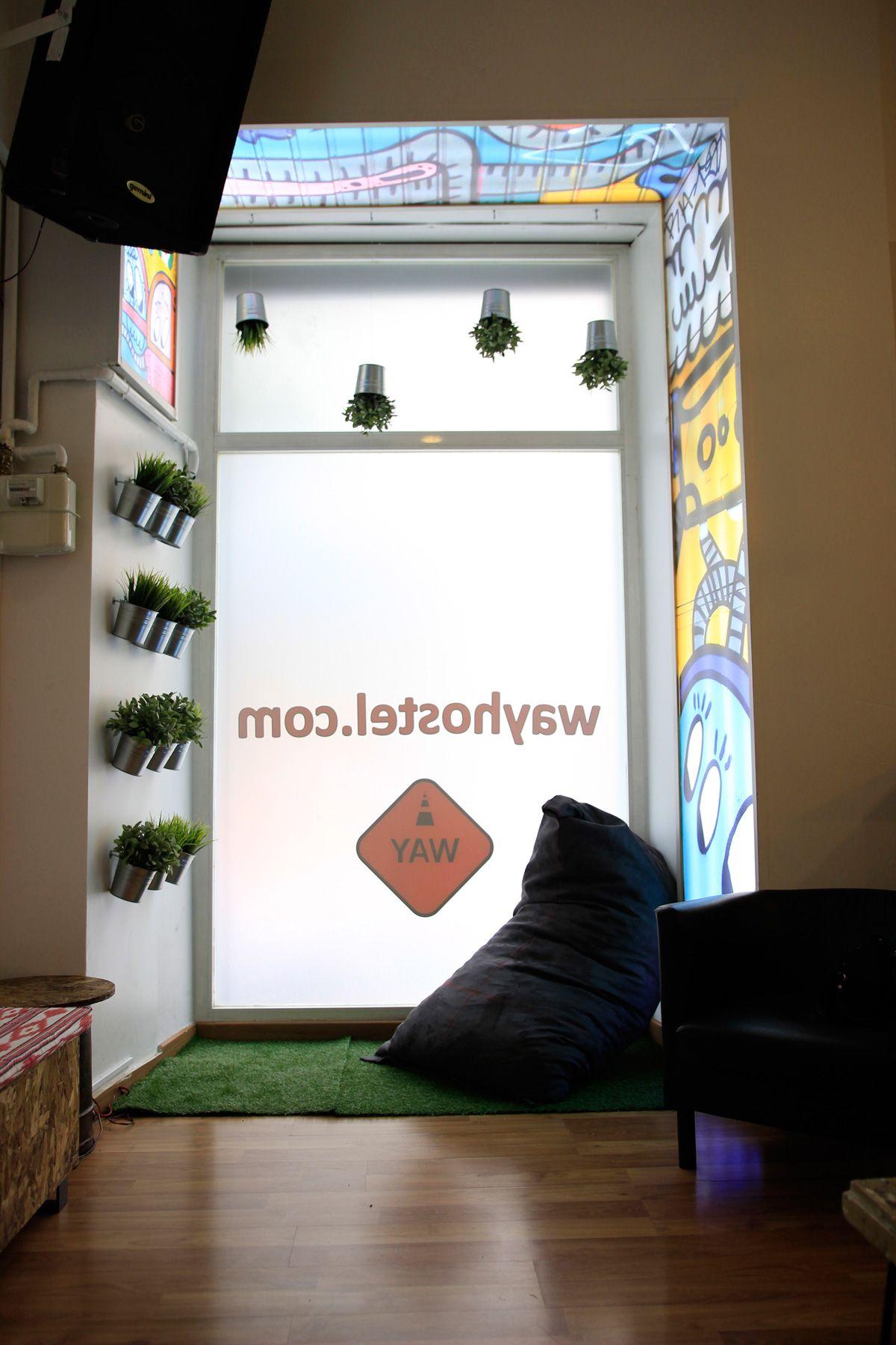 Lounge  | Decoración y Diseño de mobiliario para salón Way Hostel By Lú Ariz | Quarto da vovó
