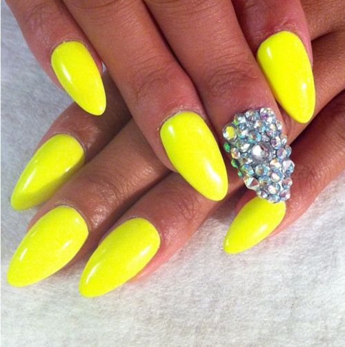 Neon yellow nails | Neon | Pinterest | Neon yellow nails, Yellow ...