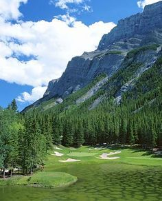 The Banff Springs Golf Course is one of the world's most famous golf courses thanks to its spectacular mountain setting.