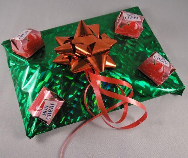 Kreativwettbewerb Ferrero 2014 - Geschenke stilvoll verpacken mit Mon Cheri http://lajana-on-testtour.blog.de/2014/11/06/kreativwettbewerb-ferrero-themenwoche-19673212/