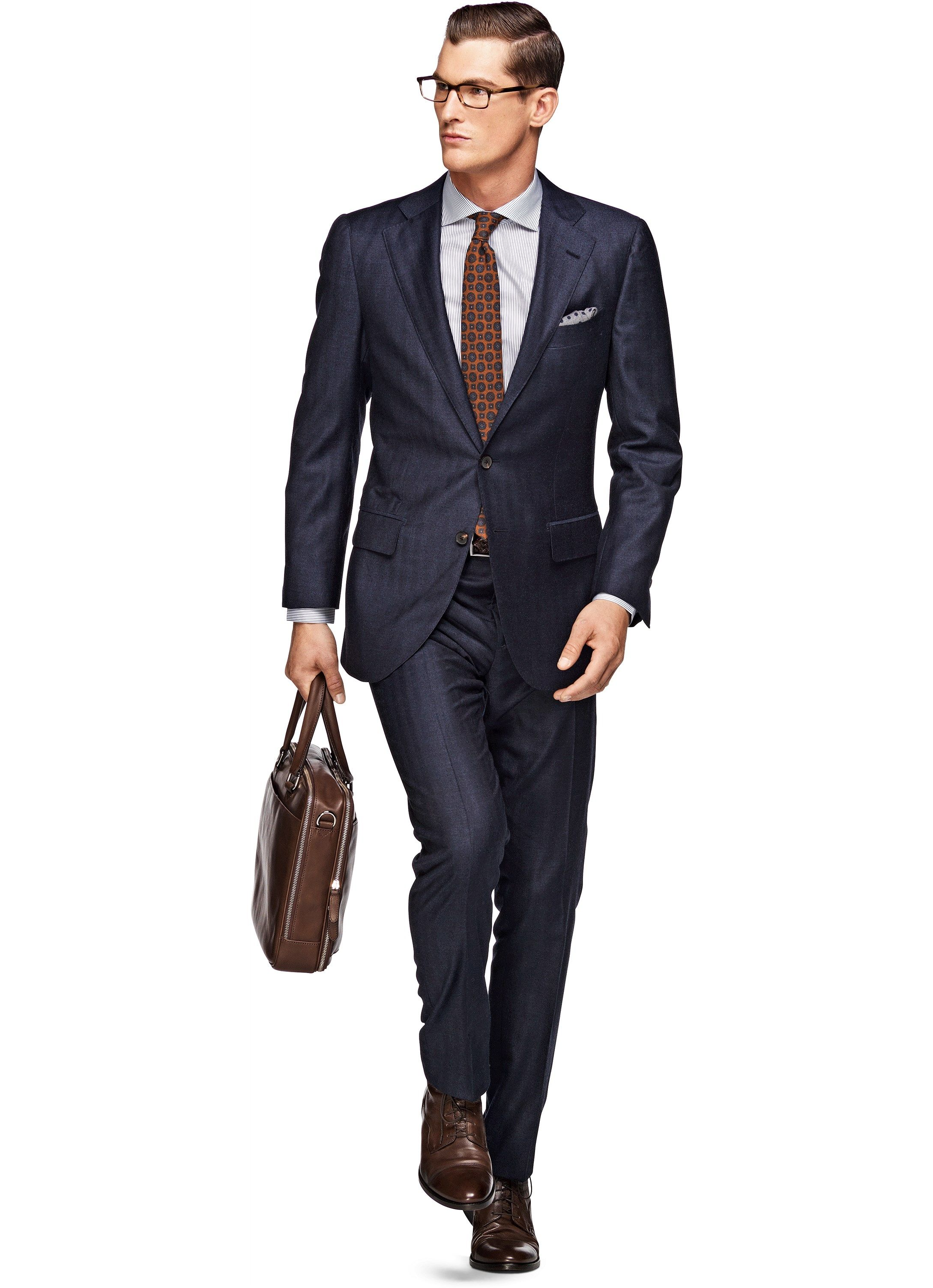 Great use of dark brown leather like the matching bag belt