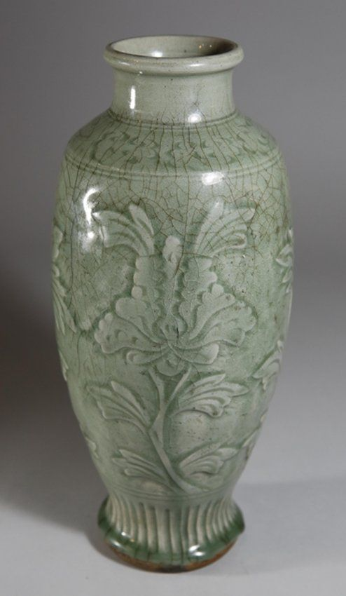 Song/Yuan Longquan Kiln Vase with Flowers H: 34.8cm
