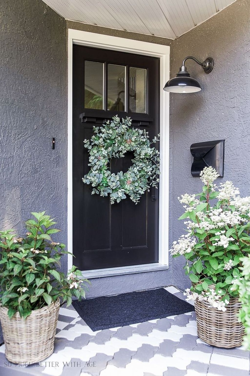 53 Unique Apartment Small Porch Decorating Ideas #smallporchdecorating