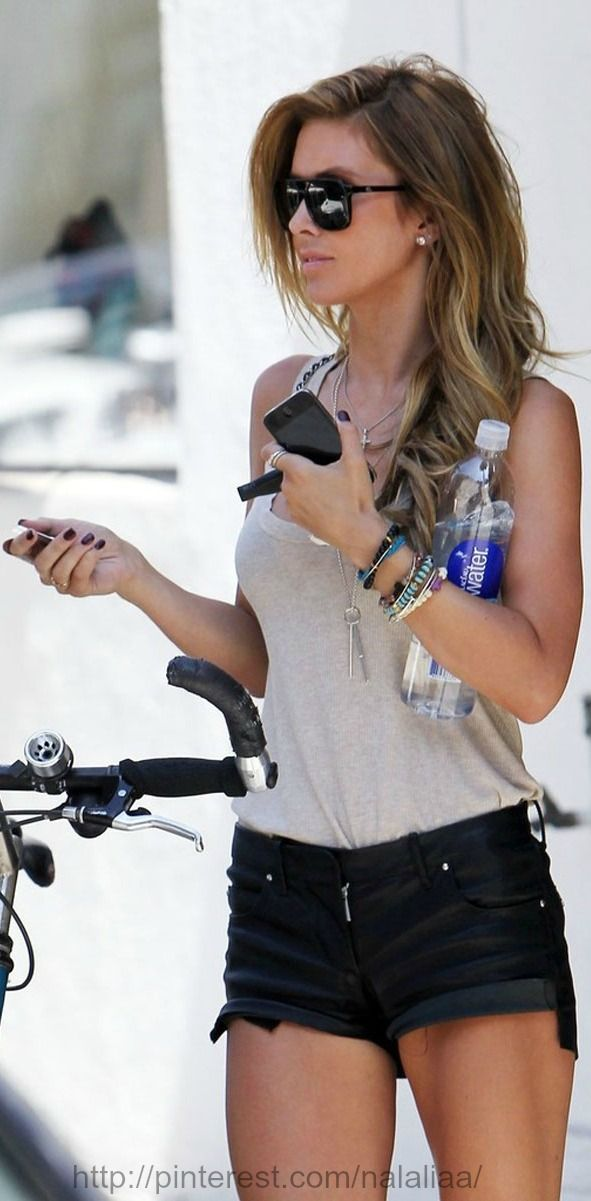 """Street style - Audrina Patridge ❁❁❁Thanks, Pinterest Pinners, for stopping by, viewing, re-pinning, & following my boards. Have a beautiful day! And""""Feel free to share on Pinterest""""✮✮"""" #fashion #fashionUPDATES"""