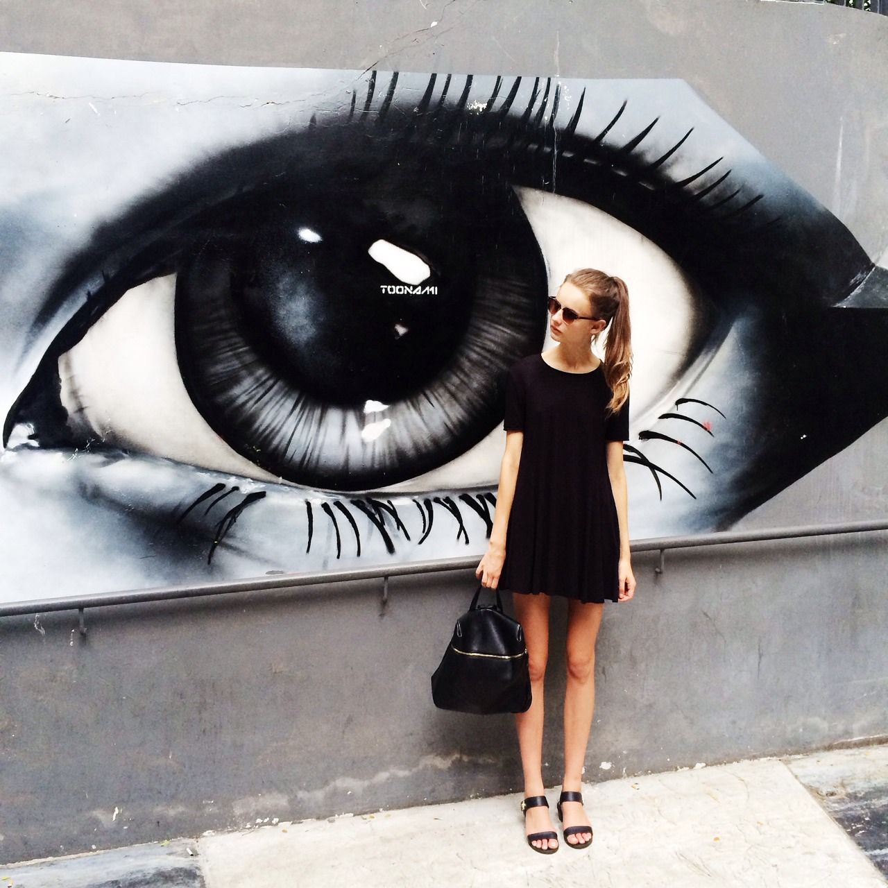 Black dress we heart it - Find This Pin And More On Photo Op Dress All Black
