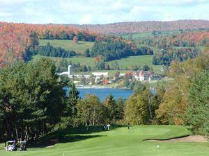 Club de Golf Lac-Mégantic - Estrie - Québec : tarifs, rabais, forfaits,  commentaires, photos, etc. | Golf courses, Golf, Quebec