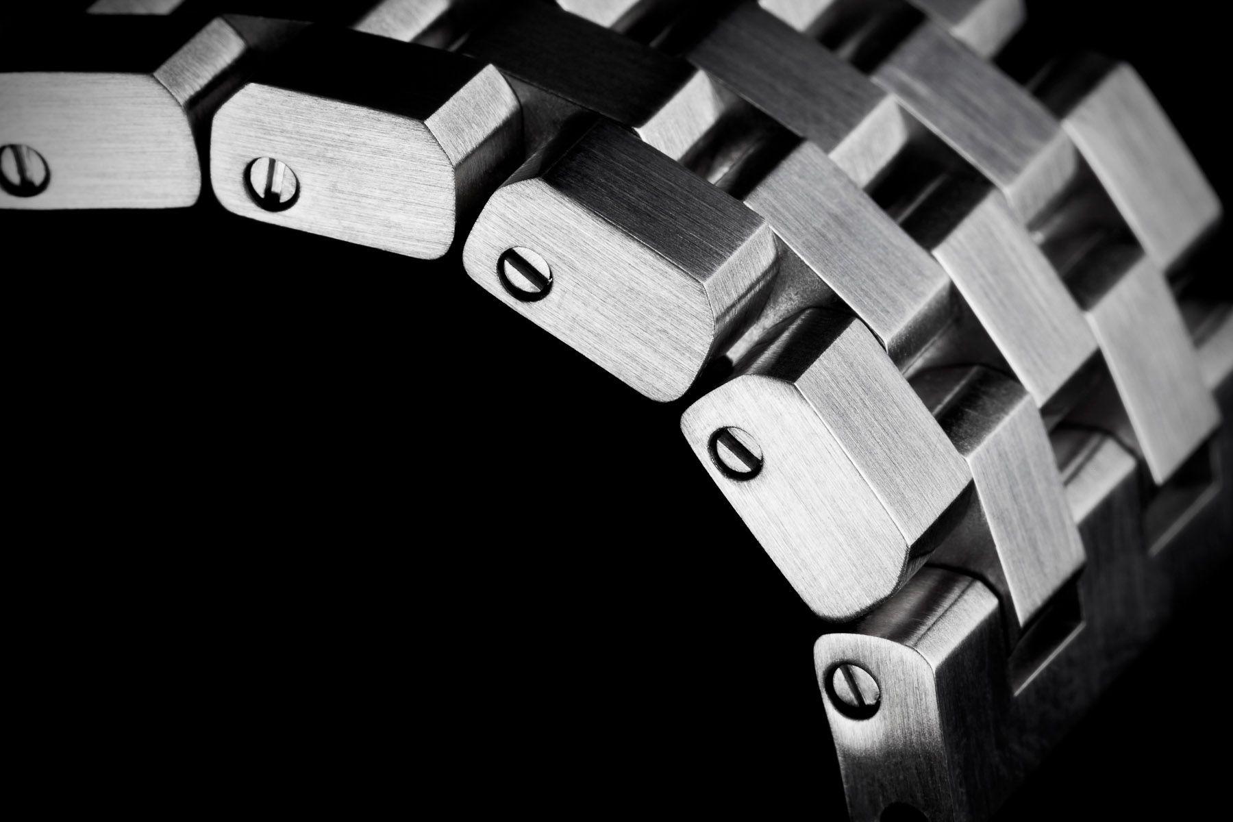 http://www.grayboxstudios.com/wp-content/uploads/2013/02/product_jewelry_reef_bracelet1.jpg