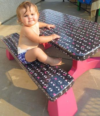 Carolineu0027s Crafty Corner: Spray Paint Kids Plastic Table, Cover With Fabric  And Vinyl!!