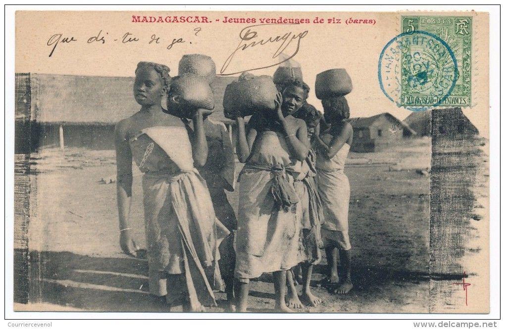CPA - MADAGASCAR - Jeunes vendeuses de riz (Baras)