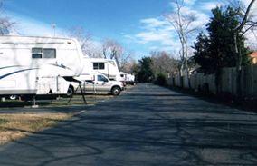 Jus Passn Thru Rv Park Pasadena Texas With Images Rv Parks Recreational Vehicles Pasadena