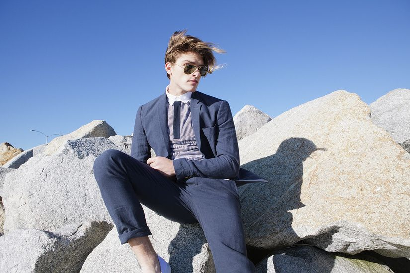 Mens Fashion / Shades of Grey / Blue Linen suit
