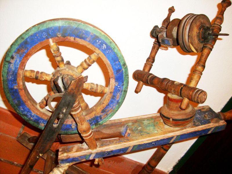 Spinnrad Antik Rarität in Bayern Kiefersfelden