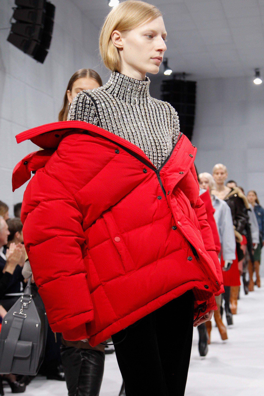 9ff8d8360cc Balenciaga Fall 2016 Ready-to-Wear Fashion Show in 2019   carousell ...