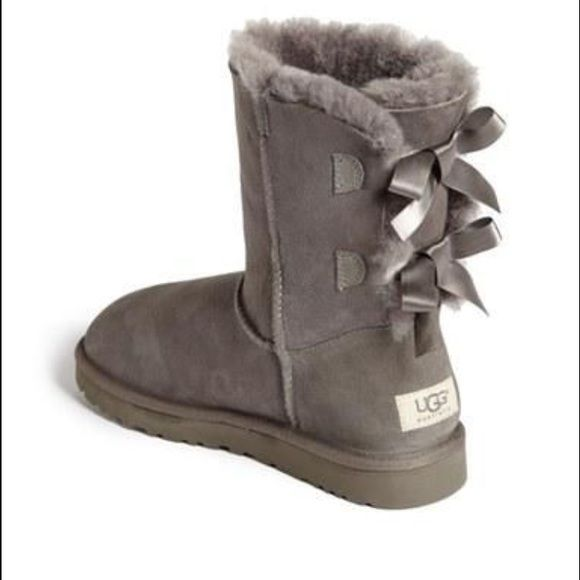8cdaad88890 LOOKING for these types of grey uggs Knitted or regular Shoes | For ...