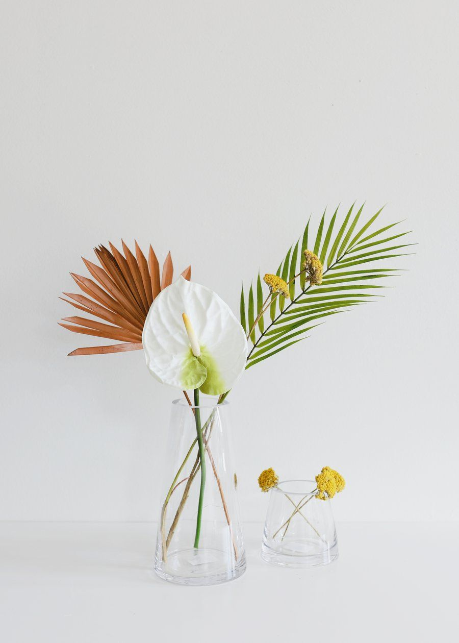 Large Artificial Anthurium In Cream White 27 Tall In 2020 Flower Arrangements Diy Tropical Flower Arrangements Flower Arrangements
