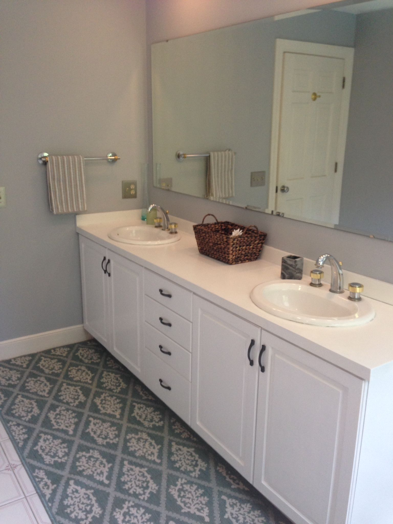 Master Bathroom Remodel Layout Paint Colors