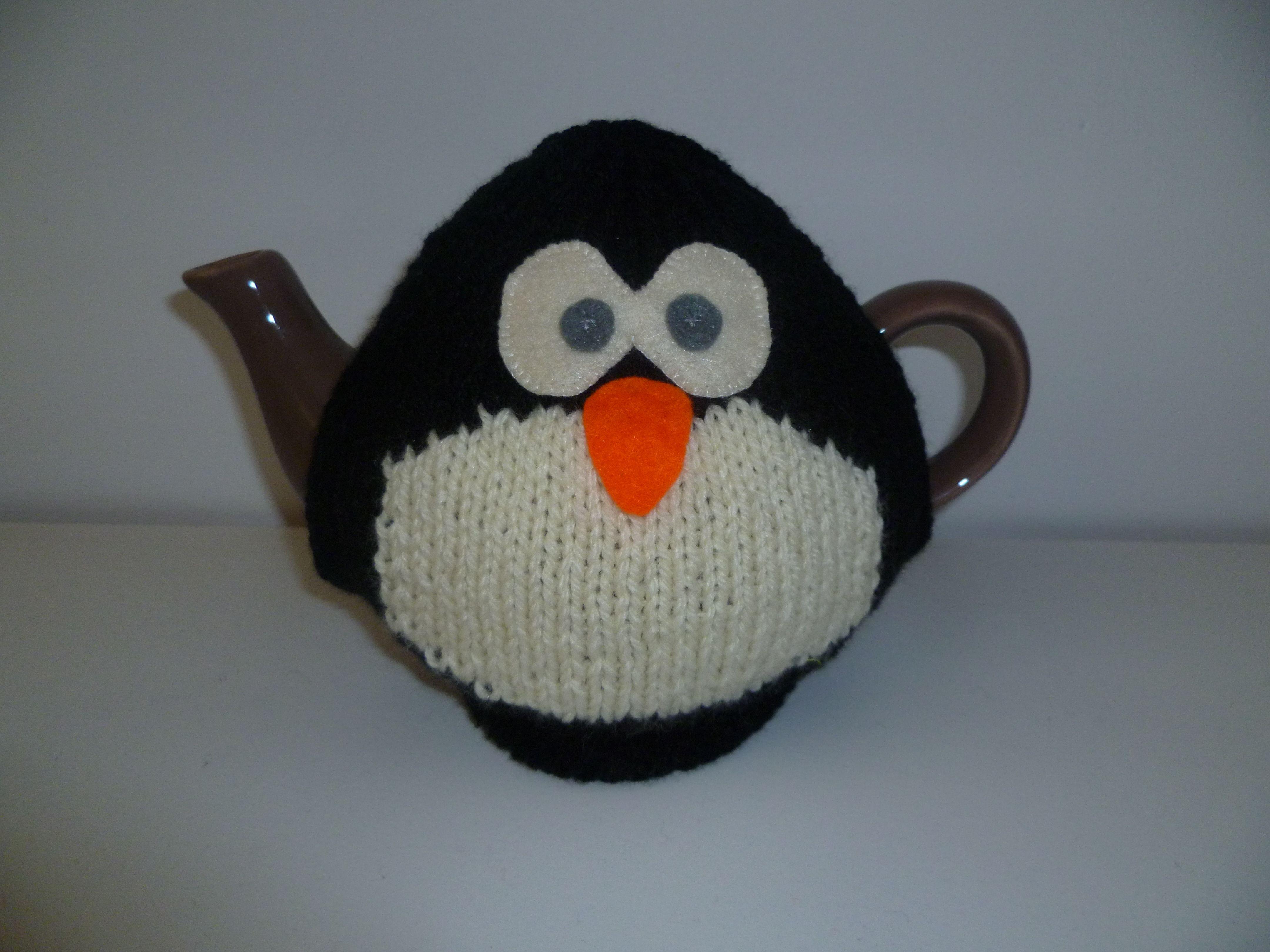 Penguin tea cosy (special request)   TETERAS DE PINGUINOS FRIOLENTOS ...