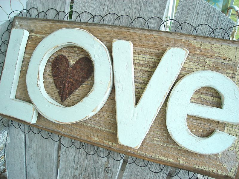 "Love Decor Signs Gorgeous Adorable ""love"" Sign #valentines #love  Valentine's Day Design Inspiration"