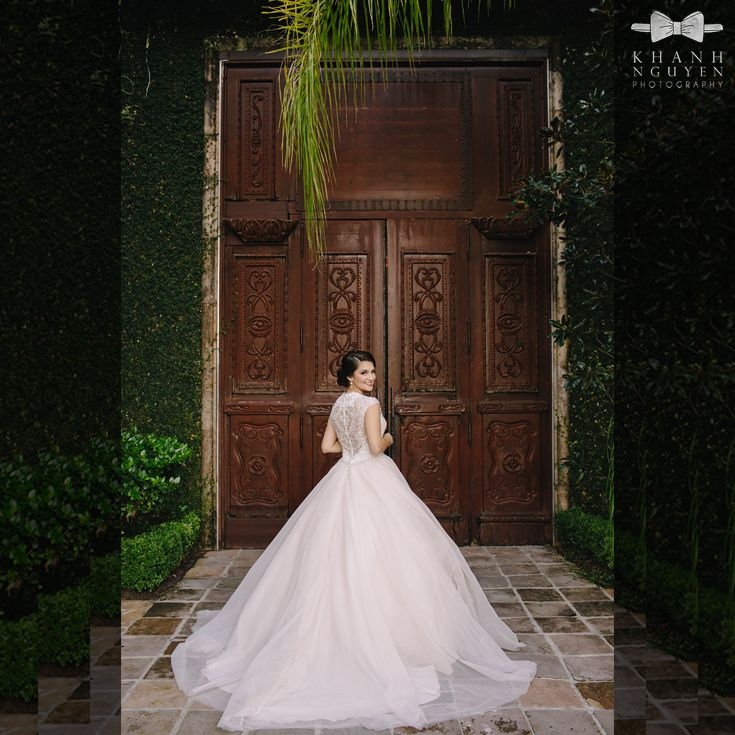 What a gorgeous bridal portrait! Thanks @knwedding for sharing this lovely photo with us!