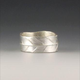 Silver LEAF ring at silvercherry.net by Kristin Schwartz