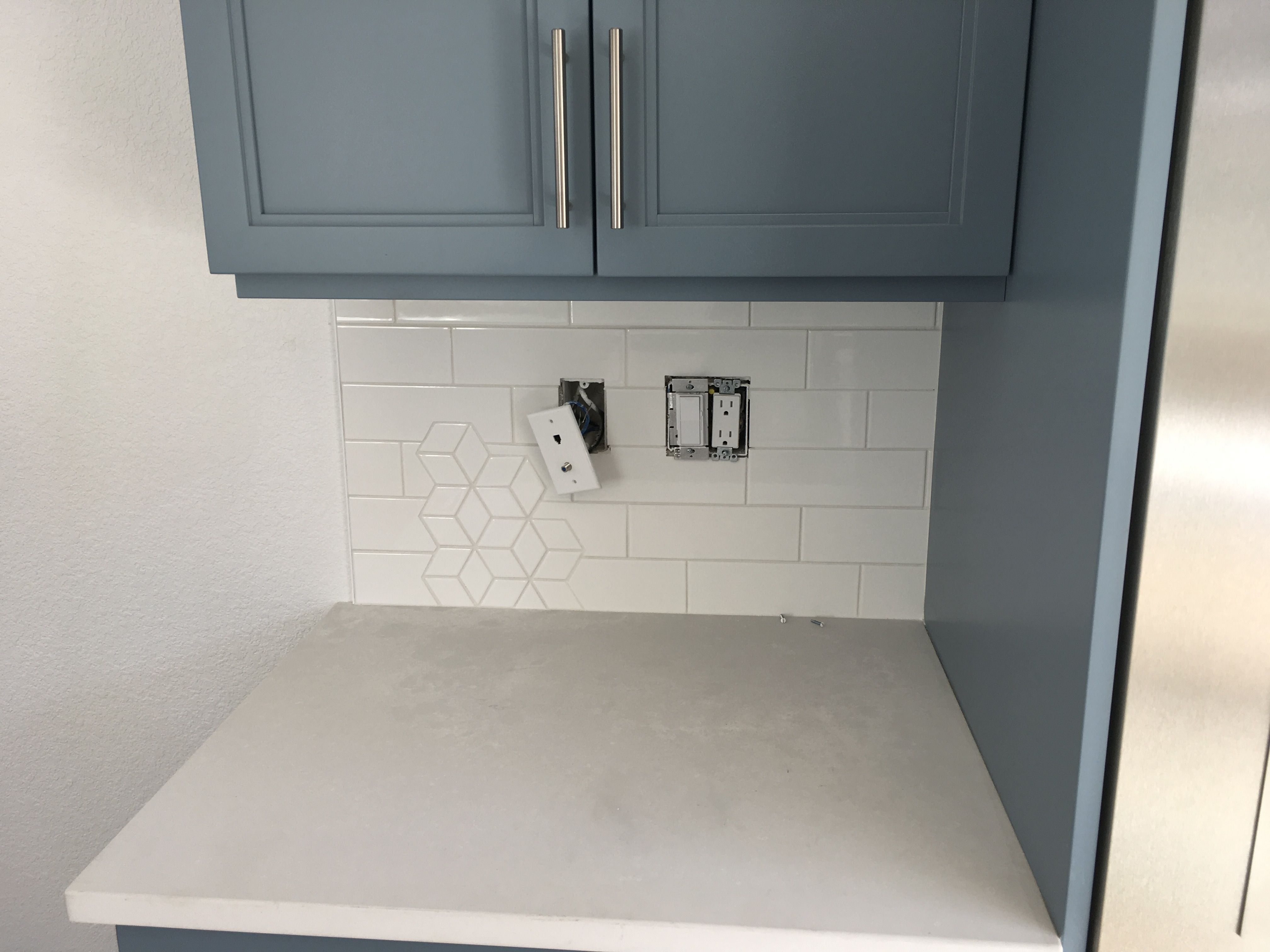 Kitchen Backsplash With A Combination Of The Diamond Pattern Mosaic And 3x9 Subway Tile From