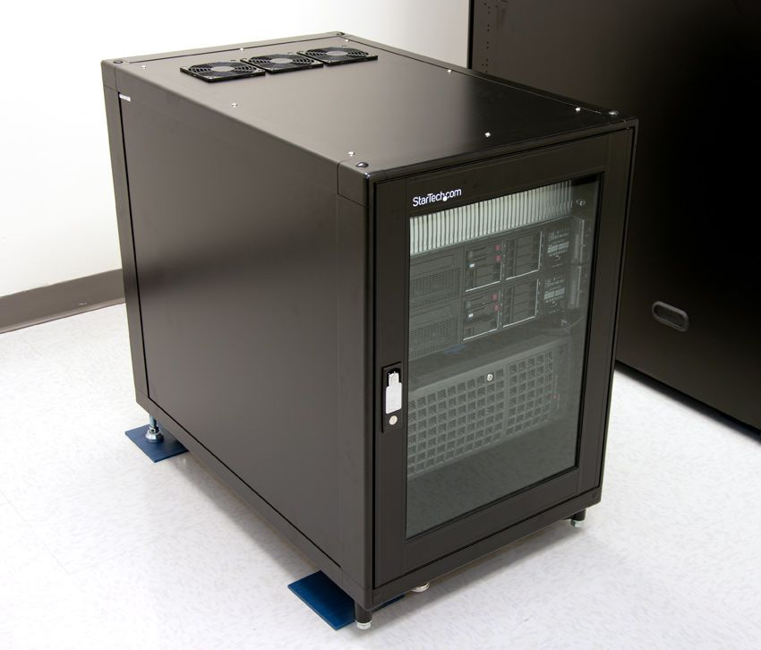 StarTech 15U Server Rack Review [2636CABINET