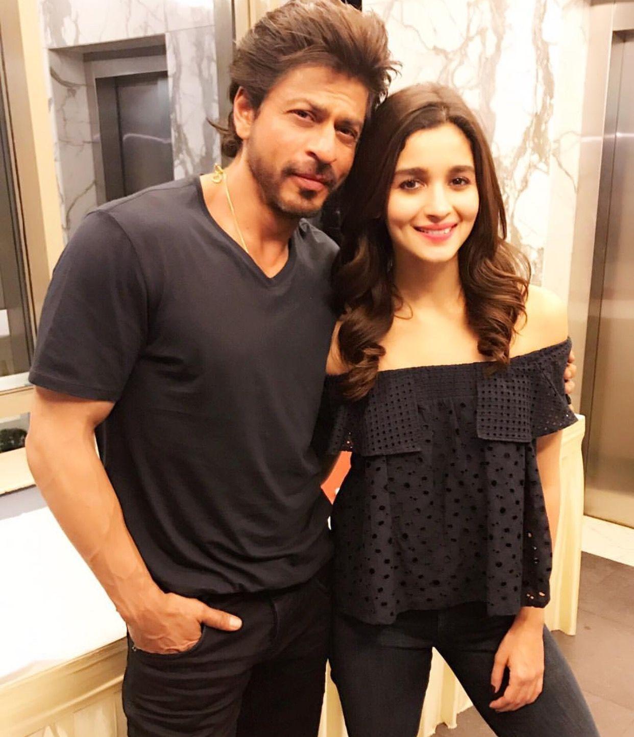 Shahrukh Khan and Alia Bhatt | Alia bhatt, Bollywood celebrities, Bollywood  actress