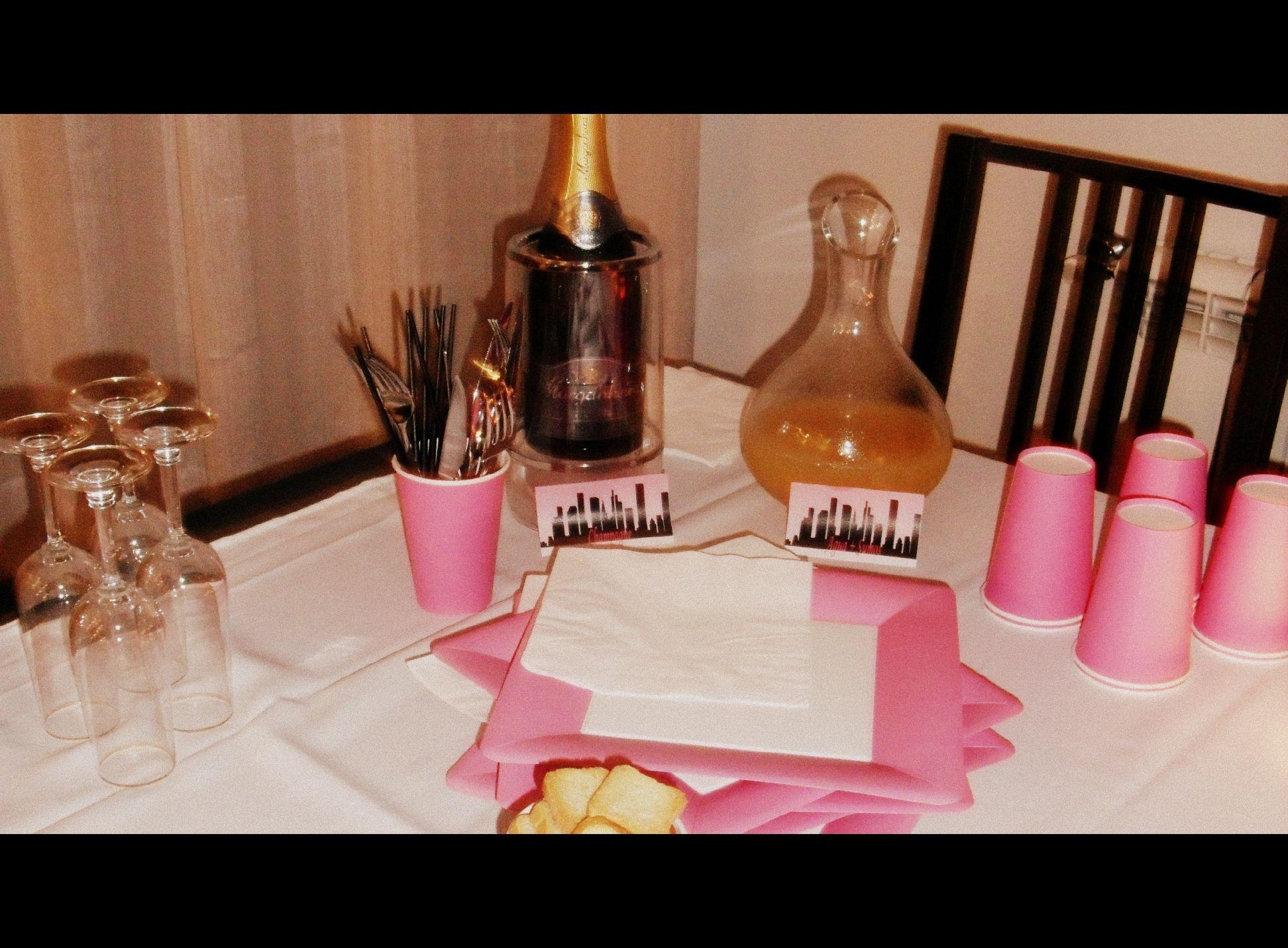 Girls Dinner Party Ideas Part - 28: Jantar Grupo Sex And The City Girls Dinner Party ( Detalhe Decoração -  Bebidas)