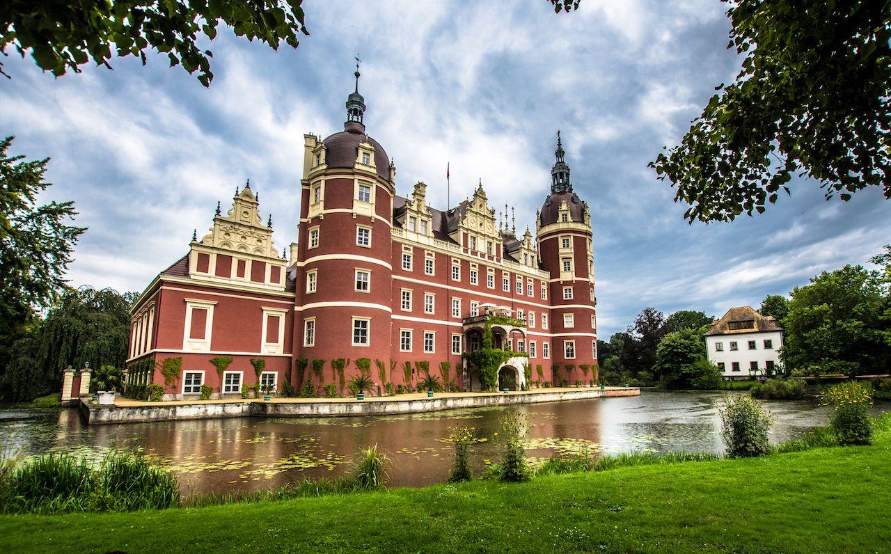 Badmuskau Das Neue Schloss Schloss Instagram Wieczorek Barbara Reisen Orte Landschaft