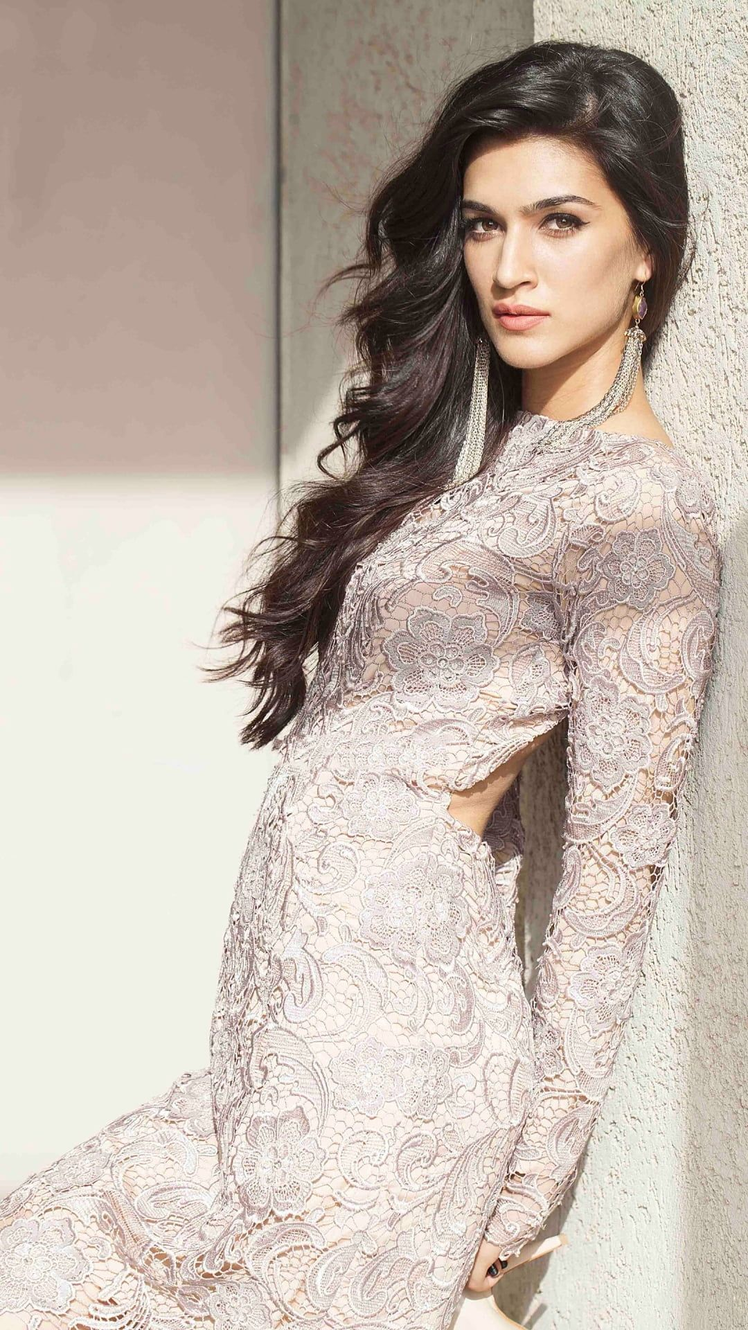HD wallpaper: Gorgeous Kriti Sanon In White Dress, women's gray floral long-sleeved dress