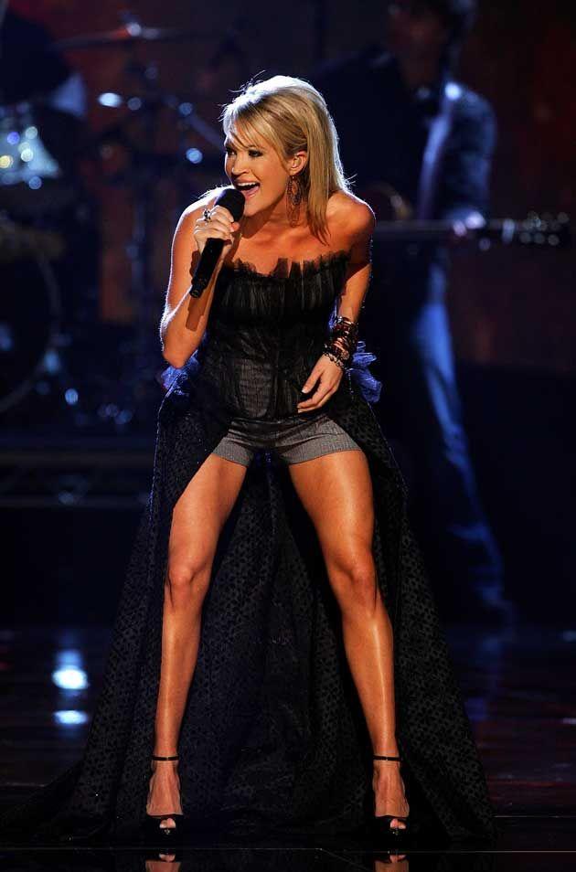 Carrie Underwood: leg inspiration. killing it!
