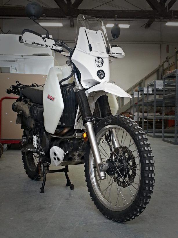 Klr650 With Lynx Sport Fairing And 10 Gallon Ims Gas Tank Adventure Motorcycle Gear Klr 650 Adventure Adventure Motorcycling