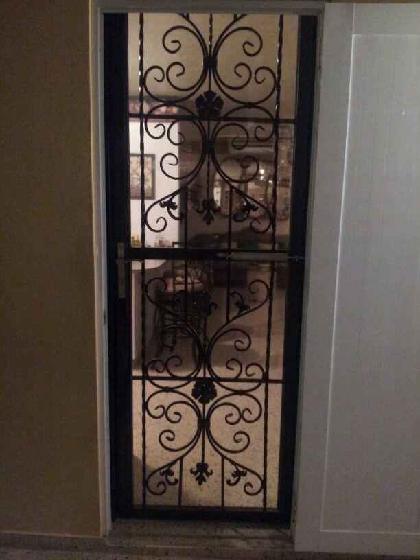 Puertas de seguridad puertas en hierro forjado for Puertas de hierro forjado