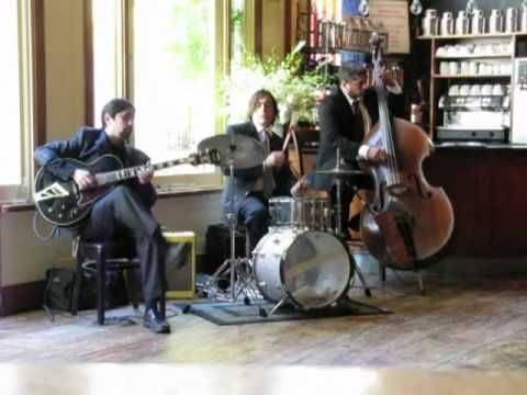 Video of Green Central  Jazz Trio from Expressway Music NYC  http://www.expresswaymusic.com/livemusic/trios-quartets/green-central-station/#