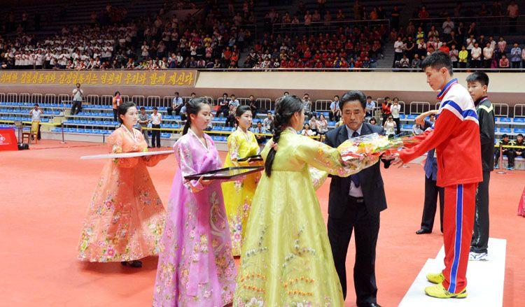 2016년 국제탁구련맹 세계순회경기대회 평양공개탁구경기대회-《조선의 오늘》