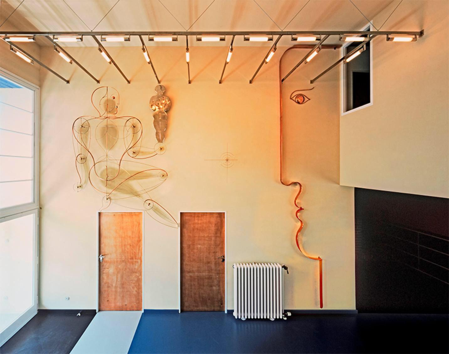 Plastik im Haus Rabe, Zwenkau, Künstler Oskar Schlemmer, 21 ...