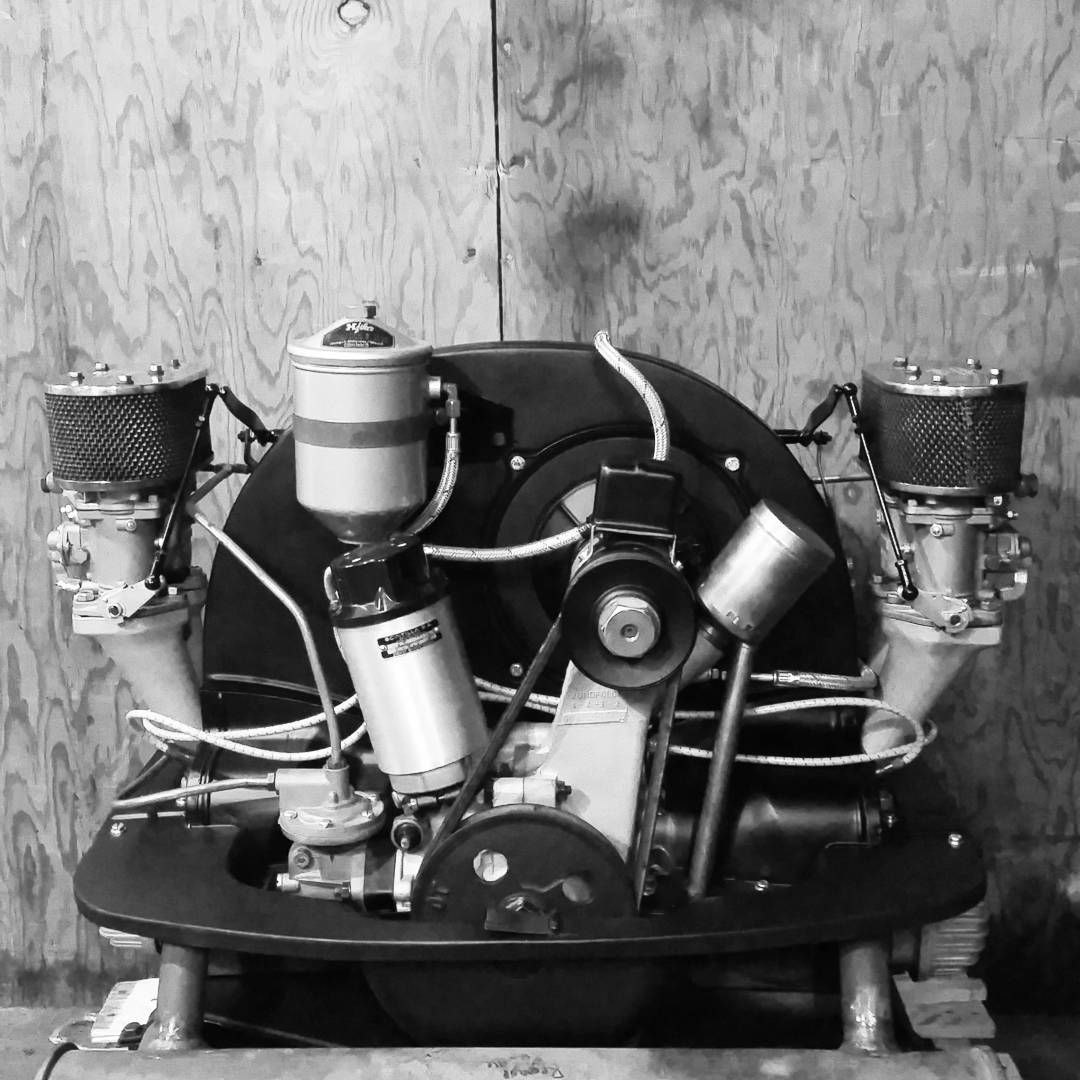 """#vintagewarehouse #vintagespeed #super25hp Aluminum case ..."