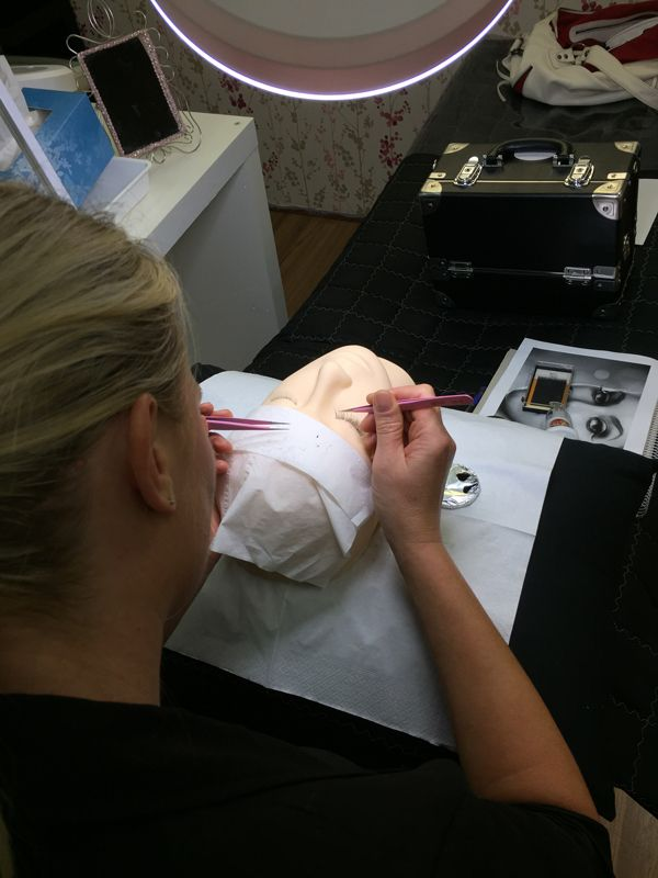 Eyelash Extension Training Course Sydney CBD - 5N2 - 5N2