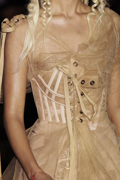 Christian Dior Couture Details Spring 2006 #runwaydetails