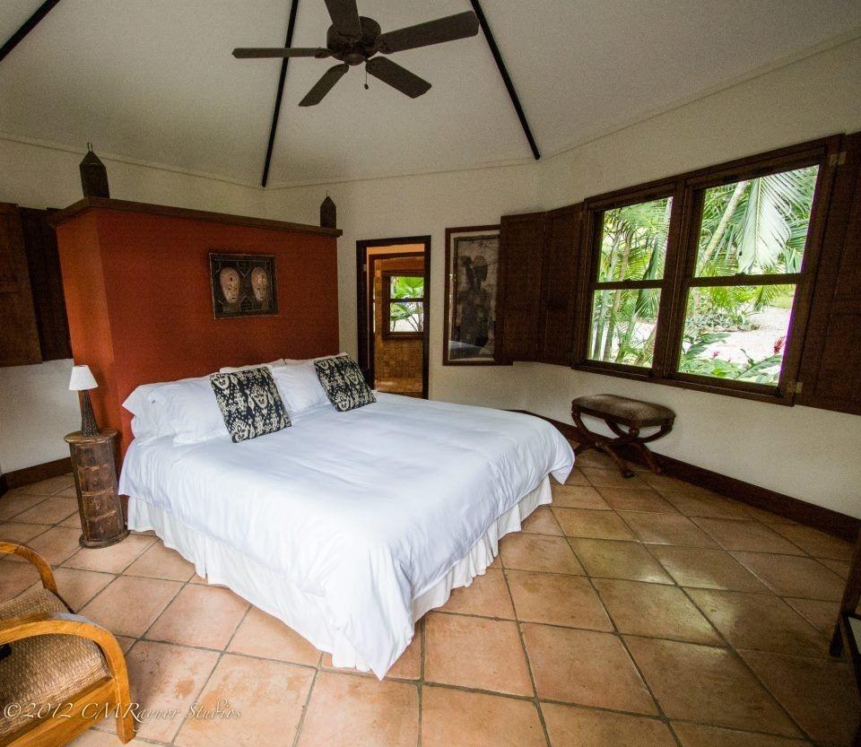 Mayoka Lodge - www.roatan.com 1-800-282-8932