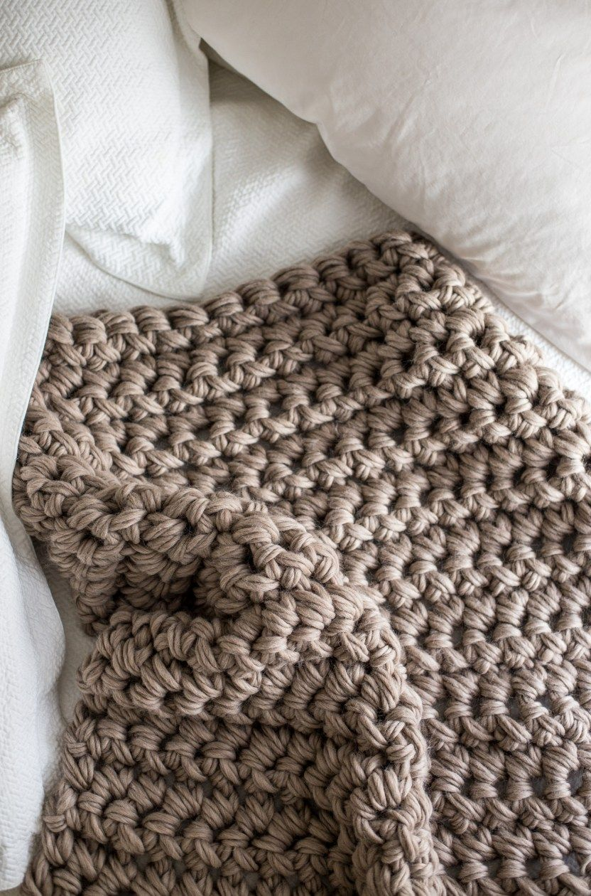 Gorgeous Hand Crochet Blanket in an Hour | Crochet blankets, Blanket ...