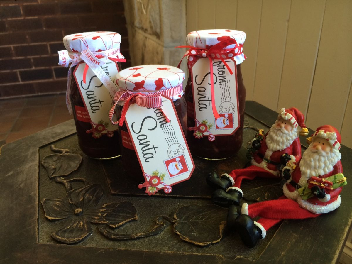 I would love to be bringing you my mother's cranberry sauce recipe but unfortunately and despite my very best efforts, I'm unable to.  You see, it has to be made with either fresh or frozen cranber...