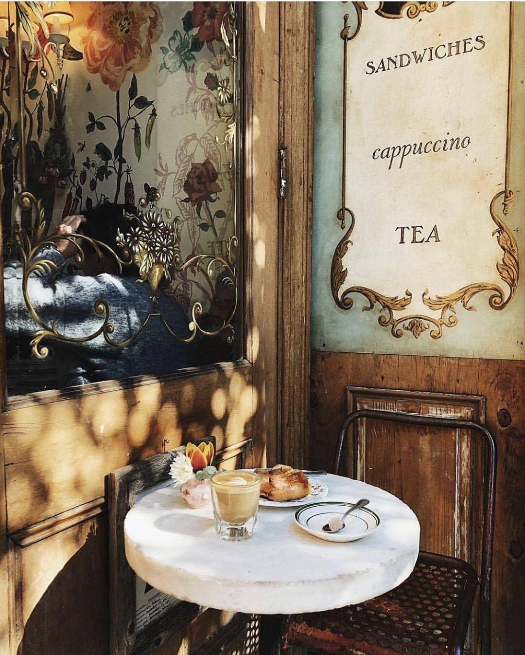 Paris, Prada, Pearls, Perfume — @vogueparis | instagram Bakeri