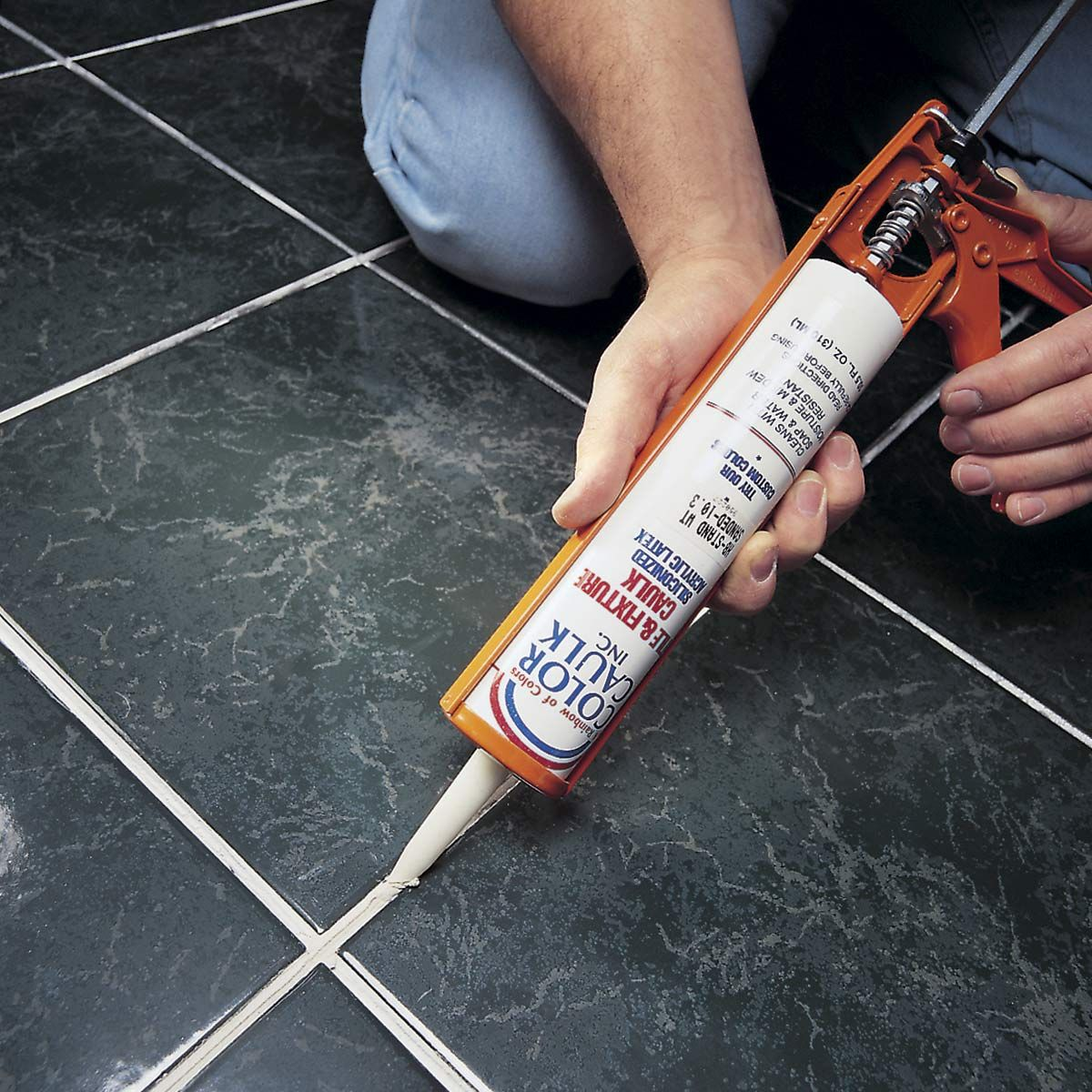 Remplacer Un Carreau De Carrelage 100 home repairs you don't need to call a pro for | comment