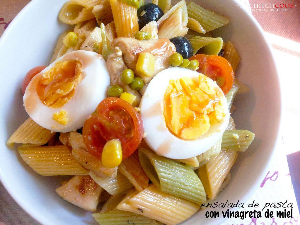 Receta de ENSALADA DE PASTA Y POLLO CON VINAGRETA DE MIEL | Cocinar en casa es facilisimo.com